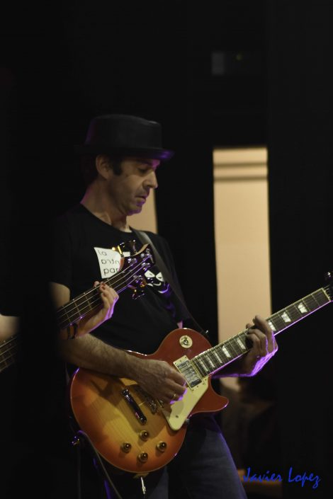 Guitarrista con les paul